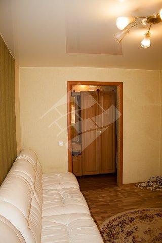 Продается 2-к квартира, 42.3 кв.м, 1/5 эт., Дзержинского ул, 13
