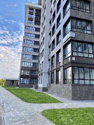 Продается 1-к квартира, 33.3 кв.м, 19/23 эт., ул. Полина, 1С