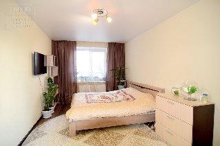 Продается 1-к квартира, 42 кв.м, 1/7 эт., ул. Вишневая, 25 к.1