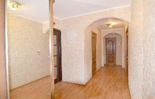 Продается 4-к квартира, 85 кв.м, 2/10 эт., ул. Сельских Строителей, 3е