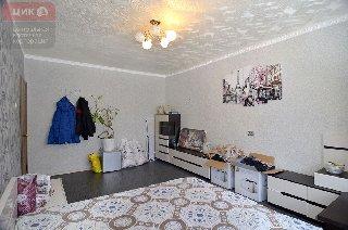 Продается 3-к квартира, 73.8 кв.м, 2/2 эт., ул. Качевская, 20