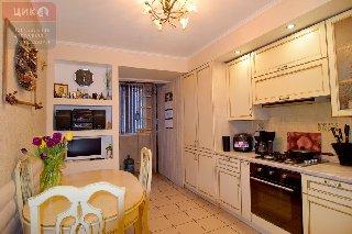 Продается 2-к квартира, 58 кв.м, 2/10 эт., ул. Вишневая, 21 к.1